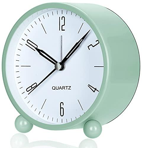 W OUTWIT Analoger Wecker mit Nachtlicht, großes Zifferblatt von 4 Zoll, Analog Quarzwecker mit lautem Alarm, kein Ticken, geräuschlos, Batteriebetrieben (grün)