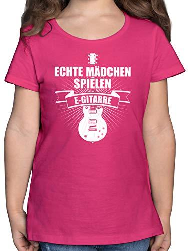 Up to Date Kind - Echte Mädchen Spielen E-Gitarre - 128 (7/8 Jahre) - Fuchsia - Geschenk - F131K - Mädchen Kinder T-Shirt