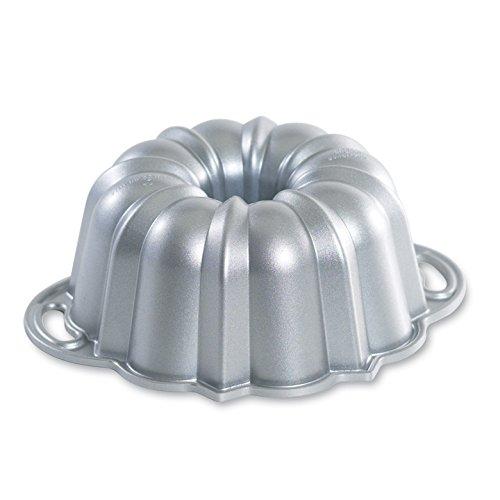 Nordic Ware Platinum Collection Bundt Pan, 6-Cup