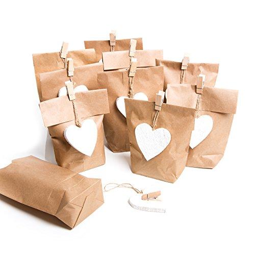 Logbuch-Verlag 10 geschenkzakjes kleine bruine papieren zakken 14 x 22 x 5,6 cm + 10 houten hartjes wit + 10 houten klemmen gastgeschenk verpakking bruiloft Kerstmis