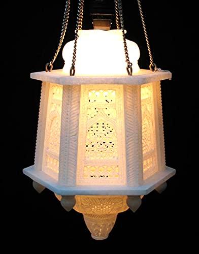 Lámpara de mármol en diseño clásico de la India.