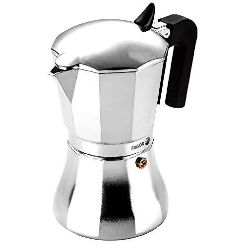 Fagor CUPY. La cafetera CUPY está Fabricada en Aluminio Extra Grueso. Pomo y Mangos Fabricados en Nylon Muy Resistente Toque Frio. Junta de Gran Durabilidad. Compatible con INDUCCIÓN. (6 Tazas)