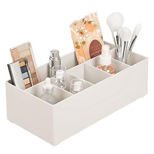 mDesign Organizador de cosméticos para el lavabo o el tocador – Caja organizadora de plástico libre de BPA para guardar el maquillaje – Moderna cesta de baño con 6 compartimentos – beige