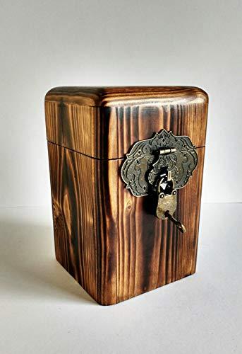 Hucha original de madera reciclada de palet, dos versiones: nogal y sapeli, hecho a mano