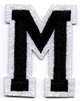 M – Buchstabe; Aufnäher/Patch mit Bügel-Klebe-Fläche zum fixieren