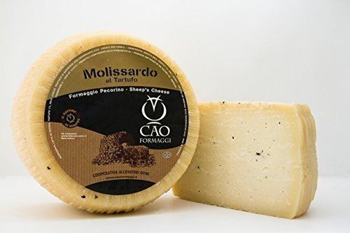 2 kg - Pecorino al tartufo prodotto da Cao Formaggi a Siamanna, Sardegna. Formaggio pecorino a pasta semicotta, leggermente stagionato aromatizzato all'olio di tartufo. Ottimo esemplare di forma