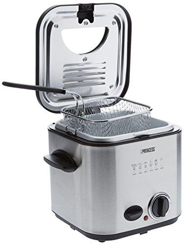 La friggitrice ideale se vuoi prepararti rapidamente patatine e snack Dimensioni compatte e peso contenuto che la rendono perfetta per piccole famiglie, studenti e anziani Si riscalda in un attimo grazie alla potenza di 840 Watt Adatta anche per fond...