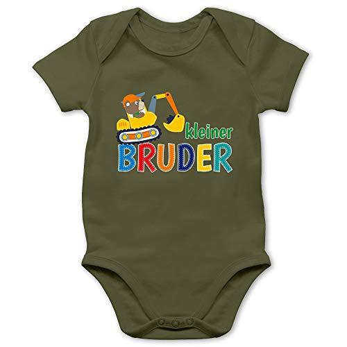 Shirtracer Geschwisterliebe Baby - Kleiner Bruder Bagger - 3/6 Monate - Olivgrün - großer Kleiner Bruder Body - BZ10 - Baby Body Kurzarm für Jungen und Mädchen