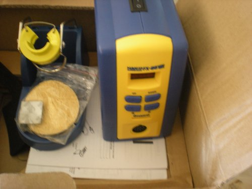 Hakko Soldering Station, FX-951-66 (One Pack)