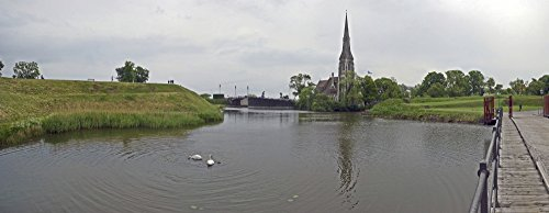 The Poster Corp Panoramic Images – Reflection of a Fortress on Water Kastellet Copenhagen Denmark Photo Print (59,21 x 22,86 cm)