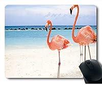 ビーチネオプレンゴム標準サイズの上を歩いてフラミンゴとマウスパッド