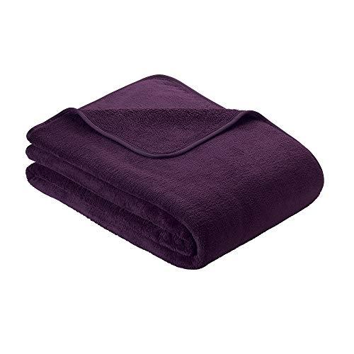 s.Oliver Kuscheldecke 150x200cm Flauschige Wohndecke - warme Microfaser Decke dunkel violett, hochwertig eingefasst