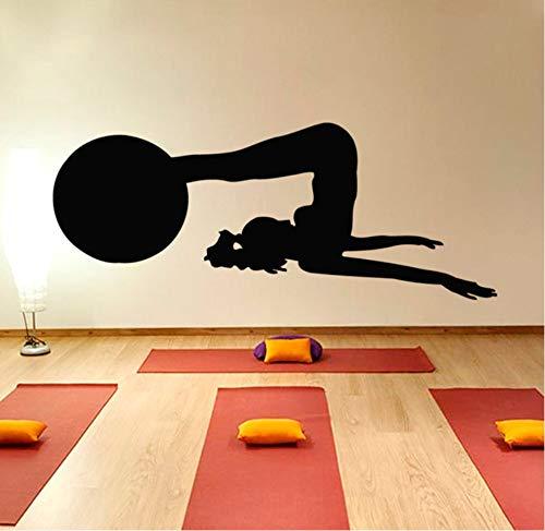 Wuyii 58x23 cm vrouw met een bal fitness oefening gym wandtattoo yoga praxis silhouet vinyl wooncultuur muursticker