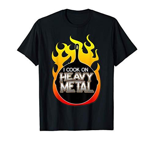 Ventilateur de poêle en fonte Je cuisine sur la cuisson d'un T-Shirt