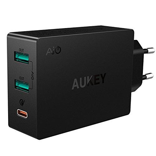 AUKEY USB C Ladegerät 42W, 2*USB Ports mit AiPower Tech & 1* Typ C Port für LG, HTC, Nexus, Xiaomi, HUAWEI, iPhone und mehr (Schwarz)