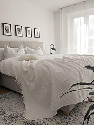 BOHORIA® Tagesdecke in Waffeloptik Urban Loft extra groß 200 x 220cm | 100% Baumwolle | Überwurf für Sofa, Sessel & Bett | Kuscheldecke Sofadecke Wolldecke Wohndecke (The Urban Loft) (Pearl)