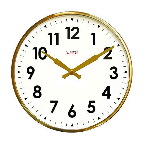 Cloudnola Factory klok – Stationsklok met cijfers – Moderne Designer wandklok – Goud, 30 cm diameter, geruisloos uurwerk, werkt op batterijen