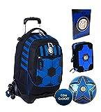 Mochila escolar F.C. Inter de 3 ruedas con mochila desmontable de la colección Seven + estuche de 3 cremalleras completo Cross&Go + Dairio 2021/2022 + balón y llavero de fútbol