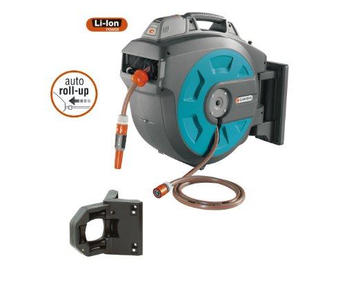 GARDENA Wand-Schlauchbox 35 roll-up automatic Li: Automatische Schlauchtrommel zur Wandmontage, Einzug über Akku per Tastendruck, 180 Grad schwenkbar, Schlauchlänge 35 m (8025-20) - 2