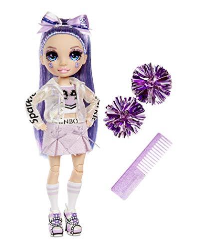 Rainbow High Cheer Fashion Doll - Luxoriöse Outfits, Pompons & Cheerleader Puppe - Violet Willow, Lila Fashion Puppe - Rainbow High Cheer Serie - Perfektes Geschenk für Mädchen ab 6 Jahren