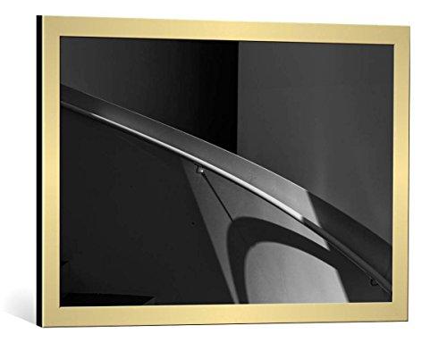Kunst für Alle Cuadro con Marco: Eric Mattheyses Shadow Stairs - Impresión artística Decorativa con Marco, 75x50 cm, Dorado Cepillado