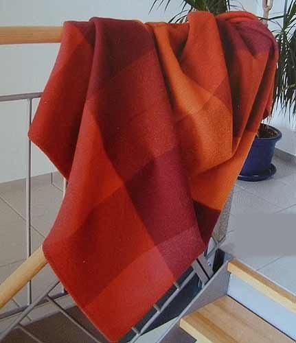 Steinbeck Decke Monza aus 100 % Schurwolle, in sechs unterschiedlichen Farben 150 cm x 200 cm