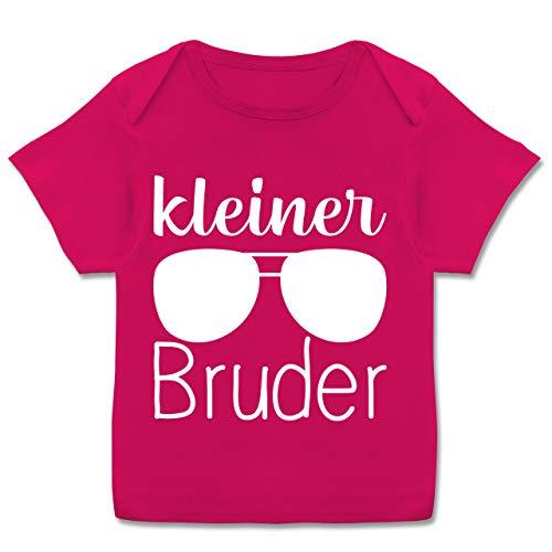 Geschwisterliebe Baby - Kleiner Bruder mit Sonnenbrille - weiß - 68-74 - Fuchsia - Geschenk - E110B - Kurzarm Baby-Shirt für Jungen und Mädchen