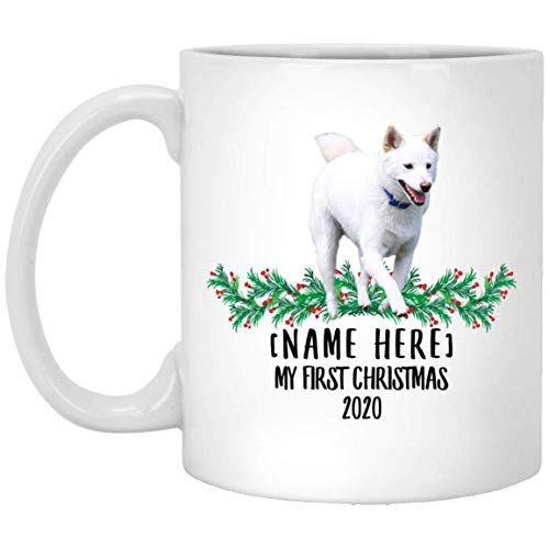 Divertido nombre personalizado Shiba Inu White First Christmas 2020 Taza de café blanca 11 oz