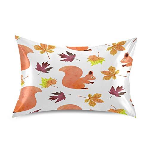 F17 - Funda de almohada de satén, diseño de ardilla, con hojas de arce, suave, transpirable, para sofá, funda de almohada para la piel del cabello, decoración del sueño, 50,8 x 66 cm
