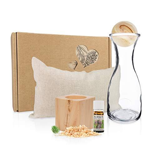 Zirben Erlebnis-Geschenksbox #3: Zirbenkissen - Zirbenwürfel-Set - Zirbenkugel + Karaffe-Misura-1L