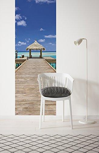 Komar - fleece fotobehang BEACH RESORT - 100 x 280 cm - behang, muur decoratie, steg, strand, zee, vakantie - 921-DV1