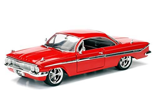 Jada ToysFast & Furious 8 Dom's 1961 Chevy Impala, Auto, Tuning-Modell im Maßstab 1:24, zu öffnende Türen, Motorhaube und Kofferraum, Freilauf, rot