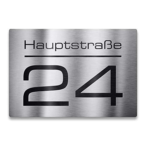Metzler Edelstahl Hausnummer - Hausnummernschild mit Gravur Straßenname, Name und Wunsch-Nummer - V2A Edelstahl - UV-beständig - Größen wählbar