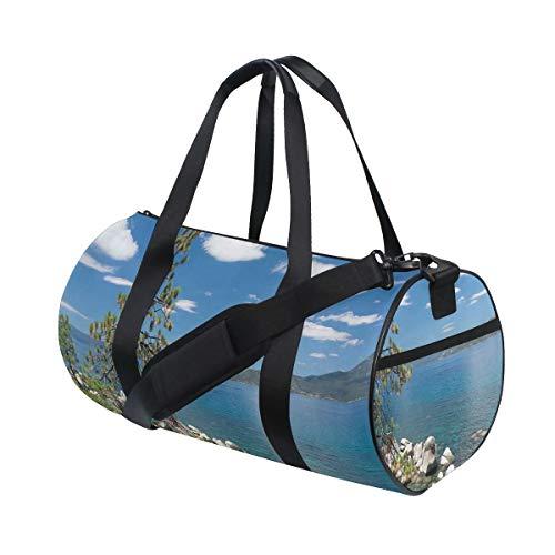 HARXISE Bolsa de Viaje,Lake Tahoe por el árbol y Las Rocas Nublado Cielo Abierto Paisaje,Bolsa de Deporte con Compartimento para Sports Gym Bag