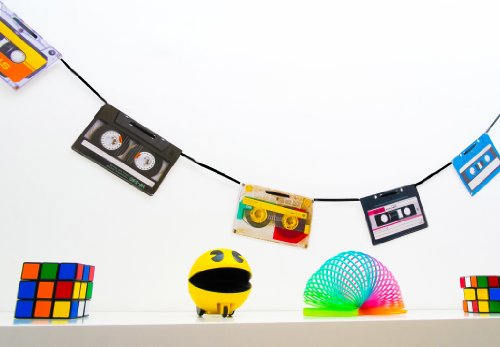 90er Jahre Party Deko Wimpelkette im Retro-Kassetten-Design
