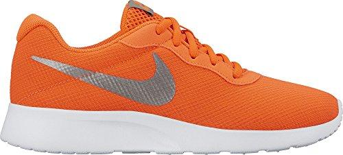 Nike - Wmns Tanjun SE - 844908801 - El Color: Blanco-Plateado-De Color Naranja - Talla: 40.5