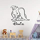 Quszpm Schüchterner Babyelefant Name Wandkunstaufkleber Cartoon Tier niedlicher Elefant Vinyl Wandtattoo Kinder Kinderzimmer Dekoration Home Interior Art 57x57cm