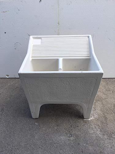 Korensteen granulaat van beton, wastafel en fontein, afmetingen 80 x 73 H 80 cm.