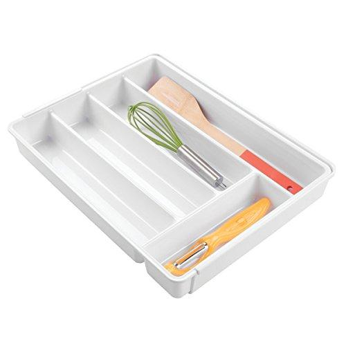 mDesign rutschfester Besteckkasten mit sechs Fächern – Ausziehbarer Besteckeinsatz für Schubladen ordnet Küchenutensilien – Schubladen Organizer für diverse Utensilien nutzbar – Farbe: Weiß
