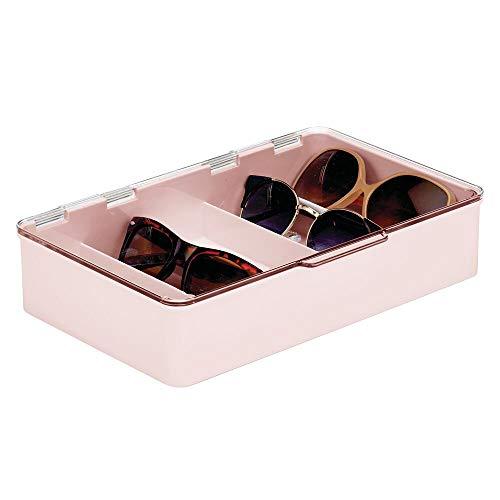 mDesign Cajas para gafas de sol – Clasificador de plástico con 5 compartimentos – Organizador de armarios para guardar todo tipo de gafas – rosa claro y transparente