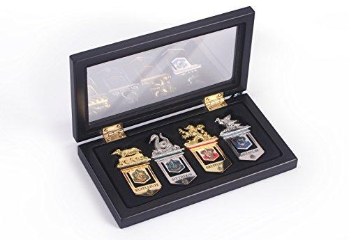 La fenêtre de la Collection de pendentifs Noble Collection Poudlard