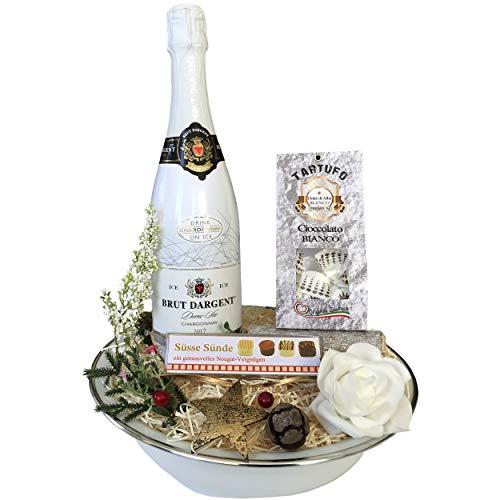 Der besondere und schön originelle Geschenkkorb In Weiß hat 3 leckere Spezialitäten als Geschenk zum Geburtstag oder zur Party. Geschenkideen für Frauen Freundin Männer Partner Hochzeit Party