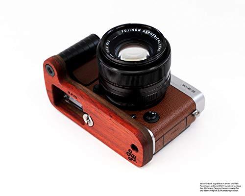 Holz Kamera Handgriff für Fujifilm X-E3 bzw. Fuji XE3 mit Batterie Griff Öffnung und Stativgewinde   Kameragriff von JB Camera Designs USA   Padouk und Nussbaum   Kamera Griffverlängerung in Rot Braun