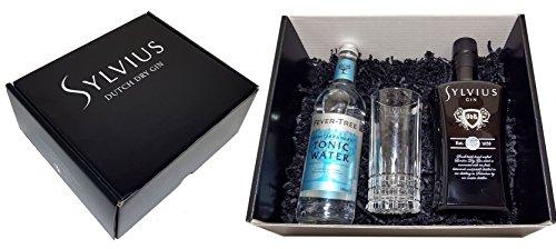 Sylvius Gin Tonic Geschenkset - Sylvius Dutch Dry Gin 0,7l 700ml (45% Vol) + Fever-Tree Mediterranean Tonic Water 500ml + Sylvius Longdrink Glas -[Enthält Sulfite] - Inkl. Pfand MEHRWEG
