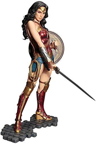 WONDER WOMAN Figura de colección Standard, PVC,