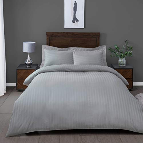 Sleepdown Soft Hotel Quality 250 THREAD COUNT POLYCOTTON Satin Stripe Duvet Cover Set With Pillowcases in Silver - Super King