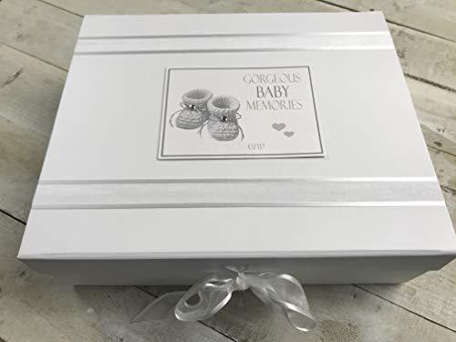 White Cotton Cards Gorgeous Baby souvenirs, grande boîte souvenir, chaussons, Argent