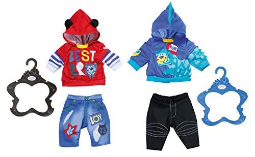 BABY geboren 828199 Junge 43 cm - für Kleinkinder ab 3 Jahren und leicht für kleine Hände - Beinhaltet ein Outfit mit Hoodie, Hosen und Kleiderbügeln, sortiert