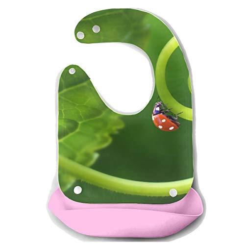 N\A Bavoirs bébé garçon Étanche Adybug sur herbe Macro Close Up Tablier d'alimentation en silicone détachable Serviette de souris Alimentation bébé Dribble Drool Bib Infant Large Bibs Girls