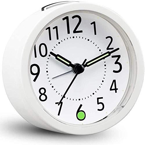 HUIQ Relojes despertadores analógicos de cabecera sin tictac Funciona con Pilas Reloj silencioso de Escritorio Reloj Despertador Simple Relojes pequeños silenciosos para Dormitorio con luz Nocturna